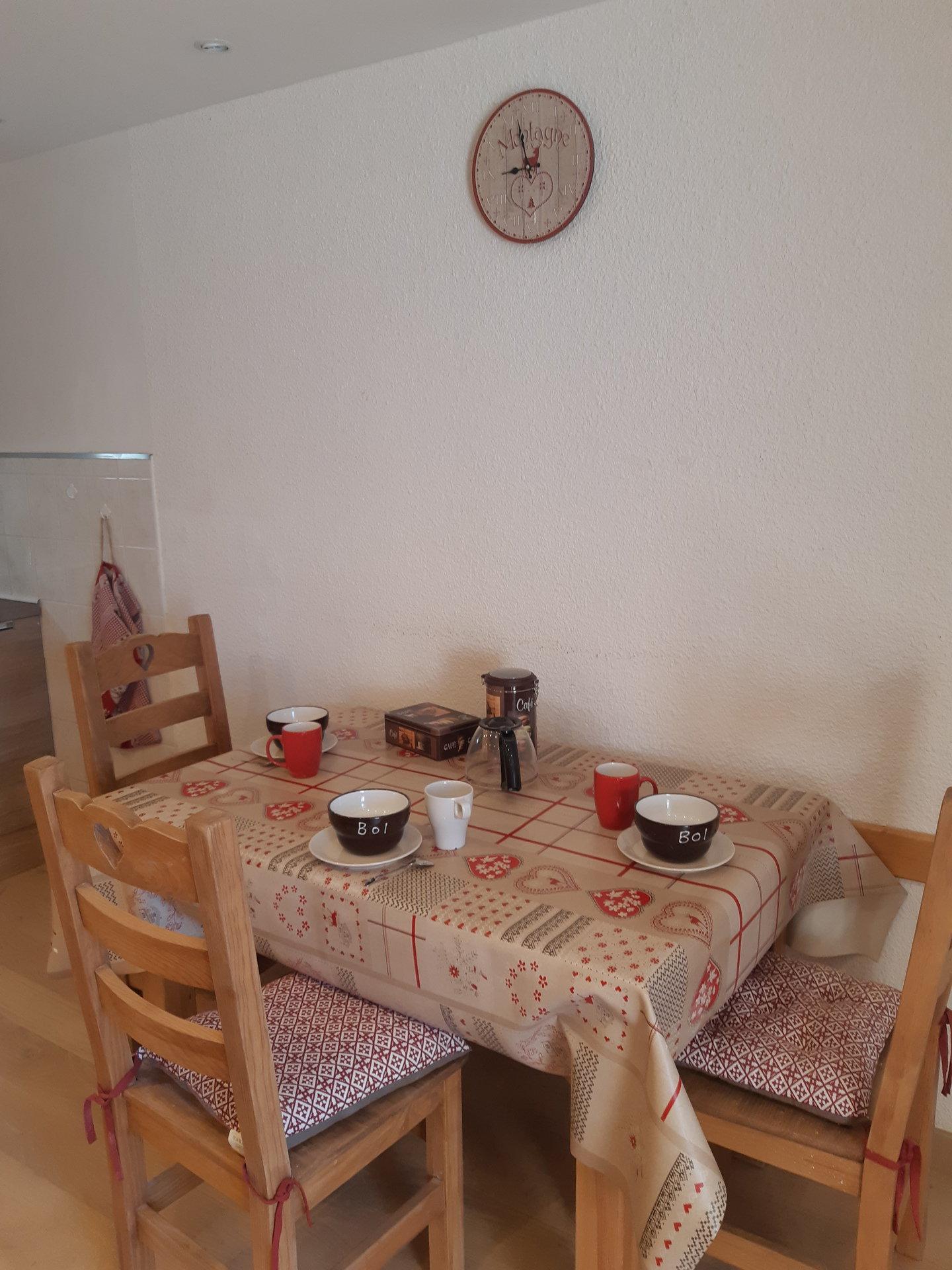 Location studio r sidence meije 15 les deux alpes for Cuisine ouverte nexity